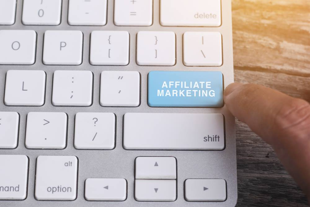 Affiliate marketing recurring commission